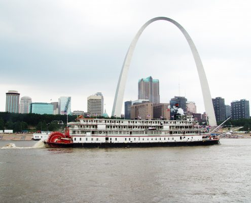 Delta Queen Overnight Steamboat St. Louis Arch